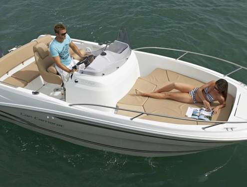 bateau jeanneau cap camarat 6 5 cc FP5 495x375 - Gammes Cap Camarat