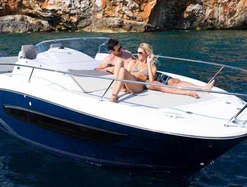 bateau jeanneau cap camarat 7 5 wa FP2 495x375 - Gammes Cap Camarat