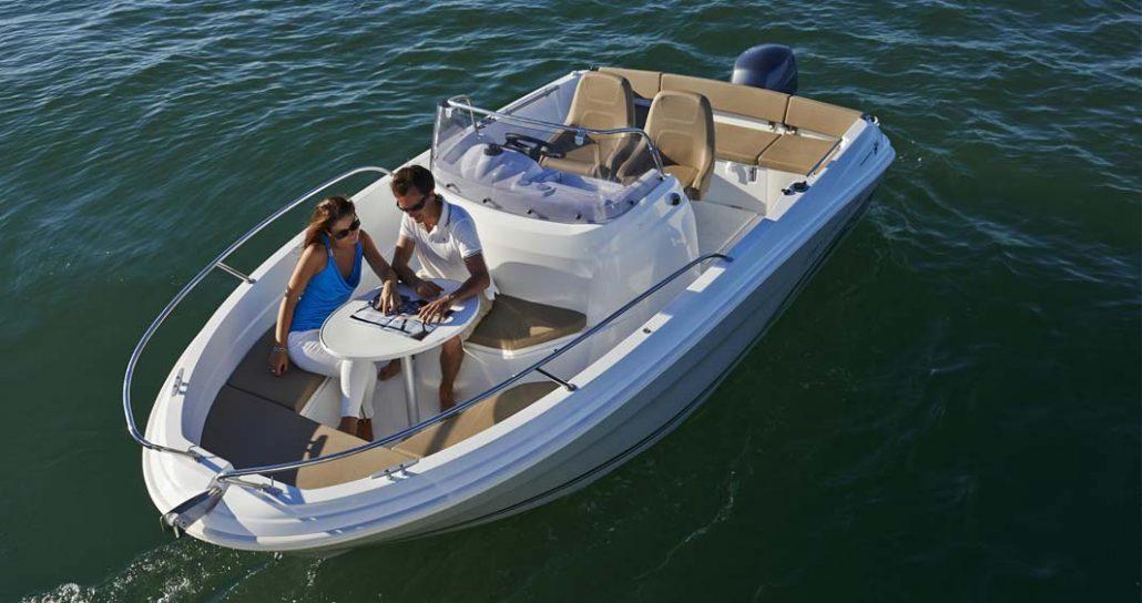location de bateau biscarrosse cap camarat 5 5 cc. Black Bedroom Furniture Sets. Home Design Ideas