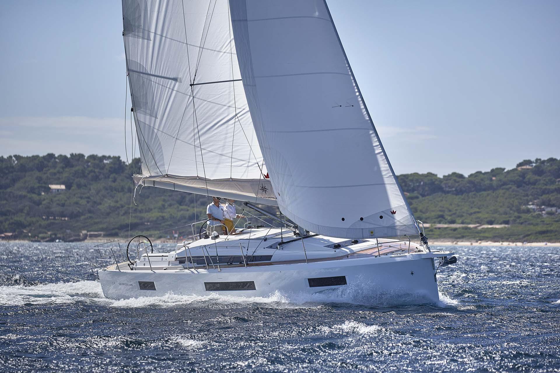 1 3 - Sun Odyssey 490