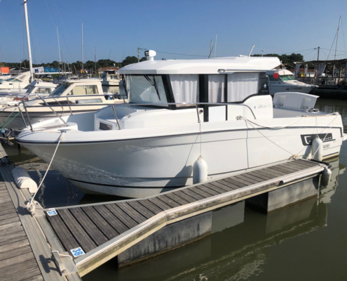 bateau moteur occasion merry fisher 855 marlin FP2 495x400 - Merry Fisher 855 Marlin