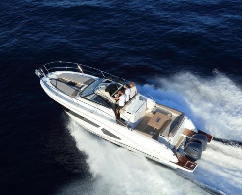 bateau jeanneau cap camarat 10 5 wa vignette2 495x400 - Cap Camarat 10.5 WA