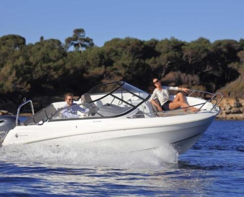 bateau jeanneau cap camarat 5 5 br FP1 495x400 - Cap Camarat 5.5 BR