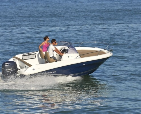 bateau jeanneau cap camarat 5 5 wa vignette2 495x400 - Cap Camarat 5.5 WA