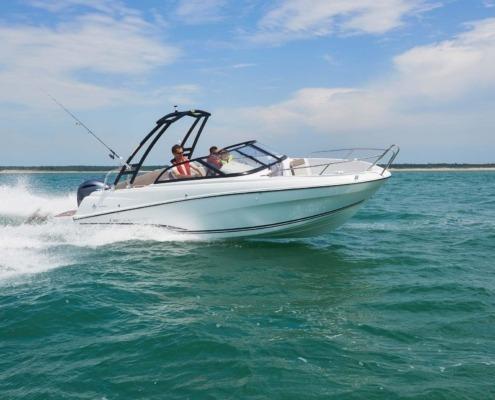 bateau jeanneau cap camarat 6 5 br FP6 495x400 - Cap Camarat 6.5 BR