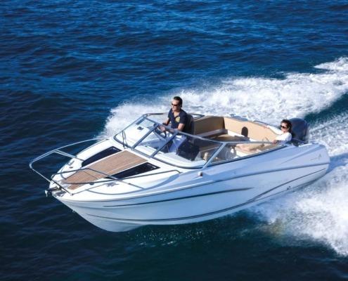 bateau jeanneau cap camarat 6 5 dc vignette1 495x400 - Cap Camarat 6.5 DC