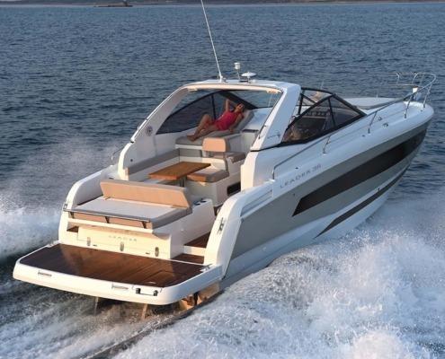 bateau jeanneau leader 36 vignette2 495x400 - Leader 36 open avec arceau
