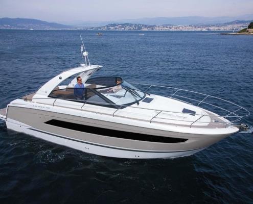 bateau jeanneau leader 40 vignette1 495x400 - Leader 40 open avec arceau
