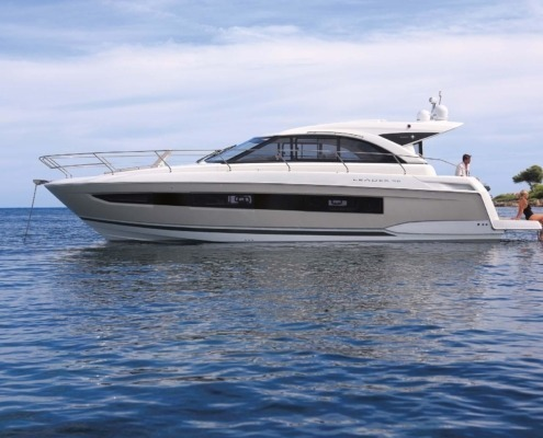 bateau jeanneau leader 46 vignette1 495x400 - Leader 46