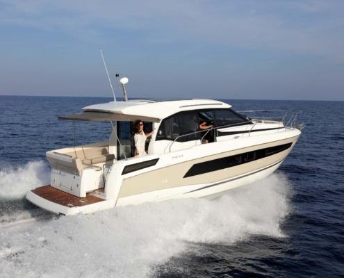 bateau jeanneau new concept NC 33 vignette2 495x400 - NC 33