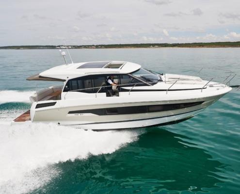 bateau neuf new concept nc 37 FP1 495x400 - NC 37