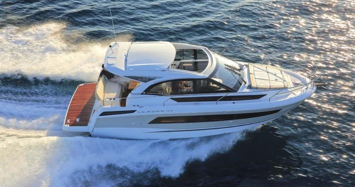 bateau jeanneau leader 33 FP1 710x375 - Leader 33 open avec arceau