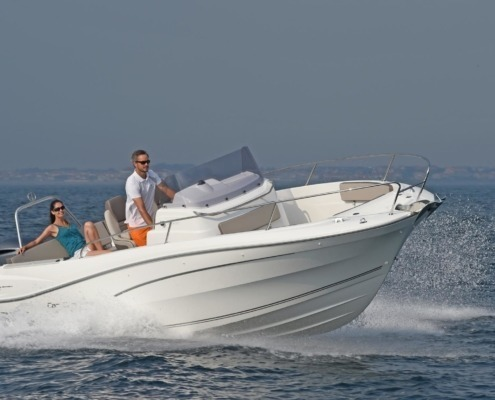 bateau neuf cap camarat 7 5 cc vignette 2 495x400 - Thank You Page Nautic Paris