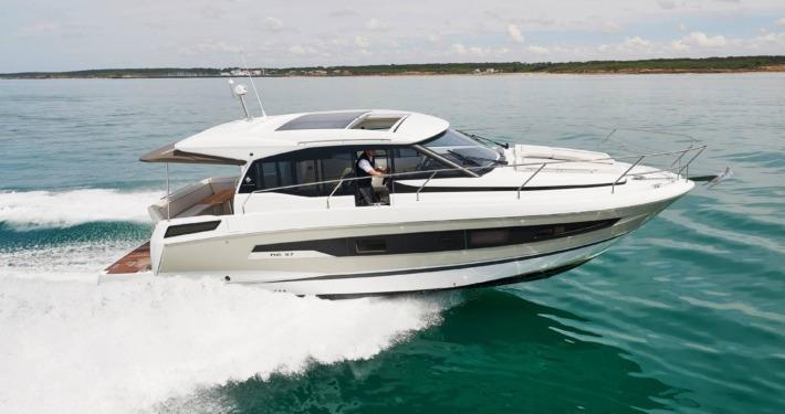 bateau neuf new concept nc 37 FP1 710x375 - NC 37
