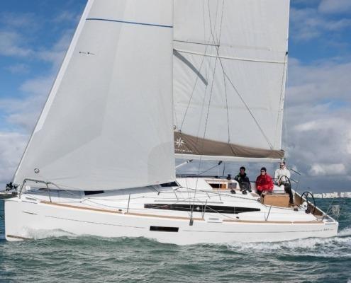 bateau voilier sun odyssey 349 big FP1 495x400 - Jeanneau Sun Odyssey 349