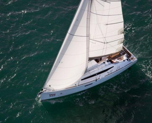 bateau voilier sun odyssey 349 big FP2 495x400 - Jeanneau Sun Odyssey 349
