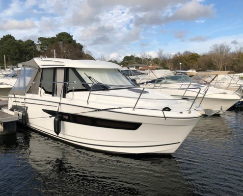 bateau occasion jeanneau merry fisher 895 FP1 495x400 - MERRY FISHER 895 CROISIERE