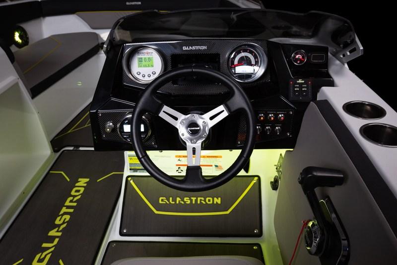 GLASTRON-Surf-Serie-GTDW-205