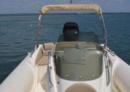 bateau location cap ferret black fin elegance 8 FP12 260x185 - Black Fin Elegance 8