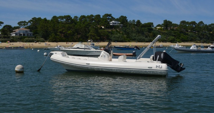 bateau location cap ferret nj 700 FP1 710x375 - Nuova Jolly 700 xl